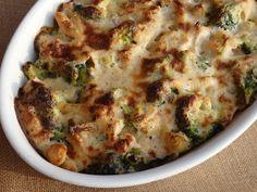 Monia miesza i gotuje: Zapiekanka makaronowa z kurczakiem i brokułem