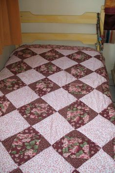 Floral by Rita Freitas Quilts, Blanket, Bed, Floral, Home, Scrappy Quilts, Bedspreads, Beds, Florals
