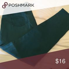 LOFT Curvy Skinny Jeans Soft, stretchy pant. Worn only a few times! LOFT Jeans Skinny