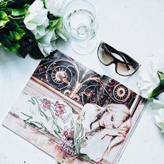 Current mood  Happy weekend! #flatlay #mood #magazine #white #sunglasses #weekend #saturday #wine #weekendvibes