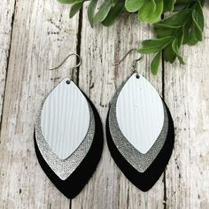 Black/Silver/White Triple Layer – Sweet Pea + Me Designs Diy Leather Earrings, Diy Earrings, Leather Jewelry, Earrings Handmade, Handmade Jewelry, Leather Gifts, Leather Craft, Cute Jewelry, Jewelry Crafts