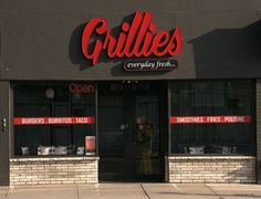 Grilles features Mexican food including burritos, tacos, burgers, and vegetarian patties using only the freshest of ingredients. Grilles restaurant also offers freshly-squeezed lemonade and fruit smoothies. Halal is available. Eat-in, take-out, or order online.