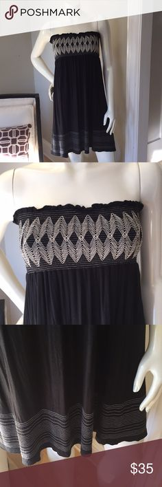 Velvet - Black & Cream Strapless Dress This is a super cute dress.  Can be worn as a dress, a bathing suit cover-up, or skirt! Velvet Dresses