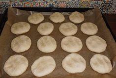 """Chleba naszego: Chleb """"Szymanowski"""" z mąki typu 480 Hot Dog, Pie, Desserts, Food, Torte, Tailgate Desserts, Fruit Tarts, Dessert, Pies"""
