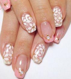 Uñas rosas y blancas Nails
