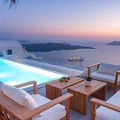 Reposting @luxury_launches: Sea Resort inspiration  #furniture #architecture #interiordesign #homedesign #modernhome #themodernhome #whitespace #winainterior #stylist #luxuryhome #pdxlife #resort