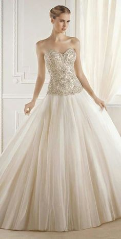 Beautiful dress with embroidered detail up to waist and flare.