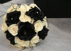 black and whit flowers bouquet | Black And White Wedding Flower Bouquets