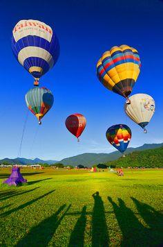 鹿野熱氣球嘉年華 Hot air balloon festival by David-Shih, via Flickr