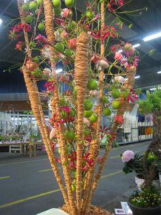 Contemporary Flower Arrangements, Floral Arrangements, Table Flowers, Love Flowers, Art Competitions, Floral Artwork, Arte Floral, Fall Crafts, Table Centerpieces