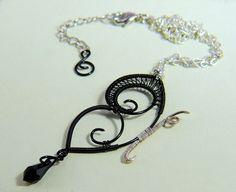 Collana con Farfalla in rame Nera  Necklace with a Black