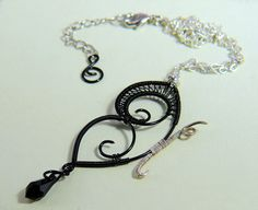 Collana con Farfalla in rame Nera  Necklace with a Black