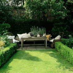 Hedge Gardening - 40 Genius Space-Savvy Small Garden Ideas and Solutions