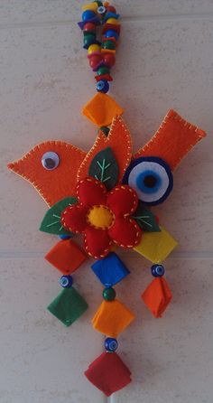 NAZAR KUŞ. Hobbies And Crafts, Diy And Crafts, Crafts For Kids, Felt Christmas, Christmas Crafts, Christmas Ornaments, Beaded Ornaments, Felt Ornaments, Metal Crafts
