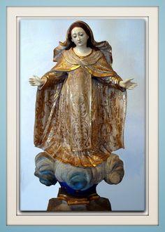 Nossa Senhora das Mercês - Madeira policromada / Século XVIII Acervo: Museu de Arte Sacra/UFBA  http://sergiozeiger.tumblr.com/post/98250719963/nossa-senhora-das-merces-madeira-policromada  A festa de Nossa Senhora das Mercês é celebrada com louvor no Peru onde ela e padroeira.