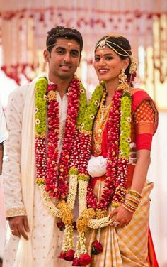 Wedding Garlands, Flower Garland Wedding, Flower Garlands, Diy Flowers, Wedding Decorations, Tamil Wedding, Wedding Bride, Indian Weddings, Unique Weddings