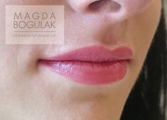 Makijaż permanentny ust.