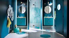 salle de bain enfants bleu canard meubles laqués