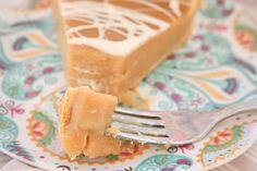 White Chocolate Butterscotch Pie - must try because my husband likes butterscotch Butterscotch Pie, Birthday Desserts, Pie Recipes, White Chocolate, Tableware, Foodies, Husband, Caramel Tart, Dinnerware