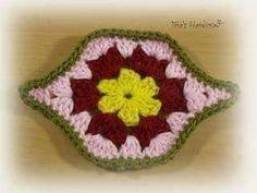 모티브 : 네이버 블로그 Crochet Blouse, Crochet Motif, Crochet Flowers, Crochet Stitches, Crochet Patterns, Crochet Hats, Crochet Strappy Tops, Crochet Table Runner, Crochet Ideas