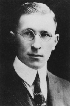 Type of Source: photograph; Date of origin: Frederick Banting was a man who has discovered a special medicine for people who had diabetes - called injectable insulin. Afterward, he has received a Nobel Prize for his invention. Frederick Banting, Eli Lilly And Company, University Of Toronto, Nobel Prize, Medical School, Physiology, Discovery, Diabetes, Famous People