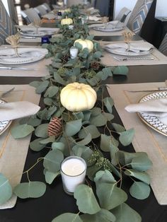 Thanksgiving table setting with eucalyptus! Fall Table Settings, Thanksgiving Table Settings, Thanksgiving Centerpieces, Christmas Table Settings, Holiday Tables, Christmas Decor, Christmas Tables, Scandinavian Christmas, Dinner Table Centerpieces