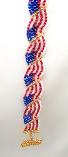 american flag seed bead loom pattern | What fun to have these flags waving around your wrist!