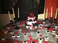Bloody 16th goth cake and cupcakes