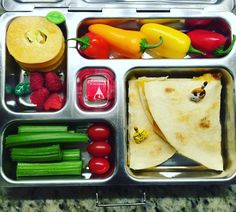 It's almost Eat-All-the-Food-and-Then-Nap-Day! But first, Tuesday's @planetbox lunch for my 4th grader is organic cheese quesadillas with mini pepperoni, grape tomatoes, local organic celery, raspberries, pepino melon, and mini sweet peppers. I wish I had the time/energy after work to make her lunches cute and holiday themed, but can't, too lazy. My goal instead is to make sure she doesn't know that exists. #healthylunch #bento #eattherainbow #healthychoices #planetbox #organic #