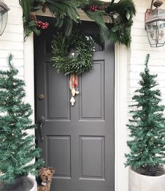 Better homes and Garden Christmas 2016 Christmas Yard Decorations, Christmas Porch, Christmas Holidays, Holiday Decor, Christmas Ideas, Xmas Theme, Winter House, Better Homes And Gardens, Home Decor Inspiration