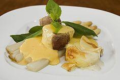Spargel mit Sauce Hollandaise, gebratenem Schweinefilet und Kartoffelgratin (Rezept mit Bild) | Chefkoch.de