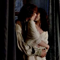 1x11//Jamie and Claire.