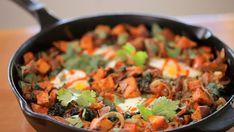 Sweet Potato and Kale Hash - Kin Community Sweet Potato Kale, Potato Hash, Sweet Potato Recipes, Potatoe Casserole Recipes, Most Nutritious Foods, Tasty, Yummy Yummy, Breakfast Recipes, Vegetarian Recipes