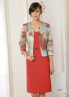 Maxi Dress With Jacket, Dress Skirt, Frock For Women, Suits For Women, Lace Dress Styles, Corporate Fashion, Batik Dress, Trendy Clothes For Women, Blazer Fashion