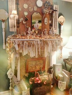 A Shabby Chic Christmas - I would never leave the house so I could stare at this all day.
