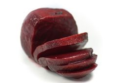 A rich,warm and delicious beet soup. It pairs well with your favorite paleo biscuit recipe too. Beet Root Powder Benefits, Beetroot Benefits, Detox Recipes, Soup Recipes, Red Juice Recipe, Beet Soup, Beetroot Powder, Orange Smoothie, Borscht