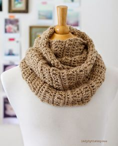 Lady by the Bay - 4 Hour Infinity Scarf Crochet Pattern