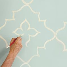 Photo: Deborah Whitlaw Llewellyn   thisoldhouse.com   from How to Paint a Curvy Moroccan-Star Design