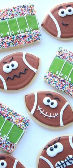 What's more American than Super Bowl Sunday? Perhaps it's the proliferation of Super Bowl snacks! Try making one or more of these 28 Super Bowl Snacks and Festive Party Food Ideas and your guests will go wild! Cookies Cupcake, Galletas Cookies, Iced Cookies, Cute Cookies, Royal Icing Cookies, Cookies Et Biscuits, Football Sugar Cookies Royal Icing, Birthday Cookies, 8th Birthday