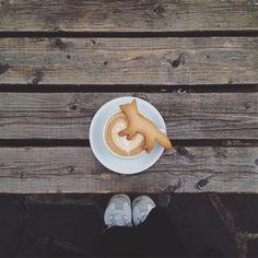 2016.4  Cafe kitsune  Morning coffee at Cafe kitsune  昨日の朝コーヒーとキツネサブレ サブレは学芸大学のMaison romi-unie (メゾン ロミユニ)という学芸大学にある 焼き菓子屋さんで作られています ちょうどいい甘さとバター感もあって ラテとの相性が良い   #goodmorning#morning#morningcoffee#coffee#coffeetime#coffeebreak#coffeelover#coffeesesh#love#like#l4l#breaktime#coffeeaddict#insta#instagram#photooftheday#instagood#good#instacoffee#instaphoto#instapic#porn#vsco#vscogram#vscocam#yum#yummy#cafe#カフェ#カフェ巡り by ___hirri