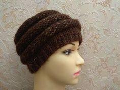 Очень кра�ива� в�зана� шапка. Ма�тер кла��. - YouTube Knitted Hats, Band, Knitting, Youtube, Fashion, Moda, Sash, Tricot, Fashion Styles