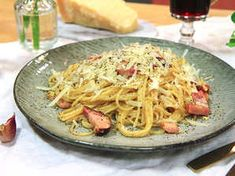 Image for Spaghetti alla carbonara Spagetti Carbonara, Spaghetti, Lunch, Snacks, Dinner, Eat, Cooking, Ethnic Recipes, Kochen