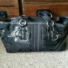 "Coach purse Excellent used condition. No holes. No stains. No rips. (There is another post with additional pictures).   Creed is ""H0694-05089""  Measures: (aprox) H 8 inches W 6 inches D 8 inches  ⚠Please make offers thru the OFFER TAB ONLY. I DO NOT negotiate on the listing. Bundles receive 15 % off using bundle feature ⚠  ❌No trades  ❌No other sites Coach Bags Shoulder Bags"