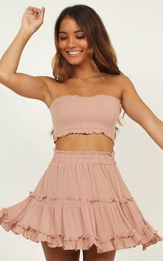 Sexy Tube Top Outfit Summer Casual Look. Tube top look, tube top pattern and tube outfits. Trending tube top outfit ideas for Women. Cute Summer Outfits, Girly Outfits, Cute Casual Outfits, Skirt Outfits, Spring Outfits, Casual Dresses, Fashion Outfits, Fashion Clothes, Winter Outfits