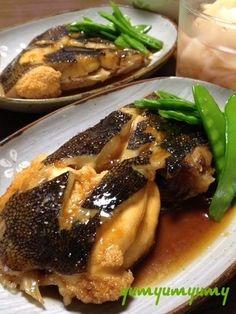 かれいの煮付けです☆ by ひまわりさん | レシピブログ - 料理ブログの ... Home Recipes, Asian Recipes, Snack Recipes, Dinner Recipes, Cooking Recipes, Japanese Side Dish, Japanese Food, Seafood Recipes, Main Dishes