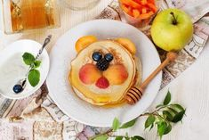 Childrens Breakfast Lunch Pancakes Smiling Face Stock Photo (Edit Now) 291950651 Fruit Pancakes, Breakfast Pancakes, Banana Pancakes, American Pancakes, Chocolate Chip Pancakes, Homemade Pancakes, Calorie Intake, Fresh Fruits And Vegetables, Snacks