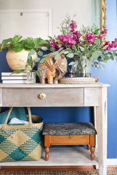 Welcome fall and your guests with these 7 easy fall decorating ideas for the living room and entryway! Give your home a cozy, fall refresh with global style Global Decor Living Room, Decor, Easy Fall Decor, Cottage Decor, Diy Home Decor, Boho Style Decor, Global Decor, Entryway Decor, Fall Living Room Decor