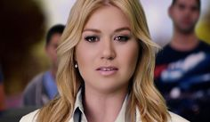 People Like Us - Kelly Clarkson Feature Article, Kelly Clarkson, People Like, New Woman, Celebrity News, Music Videos, The Cure, Things I Want, Celebrities