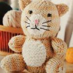 gatito tejido a dos agujas