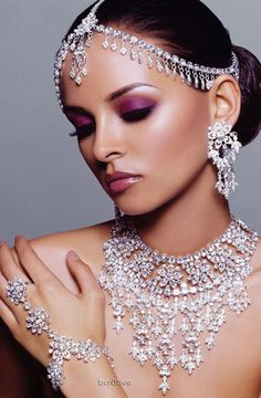 f1ab11b117988 Indian Bridal Jewelry – Bridal Look of an Indian Bride Doesn t Complete  Without Jewelry - Latest Fashion